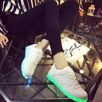Lightning Shoes Round-toe Low-cut Flat Casual LED Lights [4964956612]