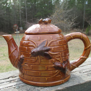Vintage Beehive Teapot--Ceramic Bee Skep--Amber Color Novelty Teapot--Busy Honey Bee Adornments--Country Kitchen--Housewarming Gift--