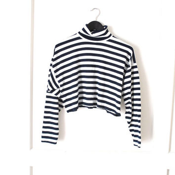 striped turtle neck / 90s GRUNGE preppy NAUTICAL horizontal navy striped relaxed fit shirt