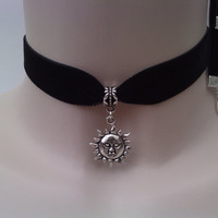 RUSTIC SUN CHARM 16mm Black Velvet Ribbon Choker - ic.. or choose another colour velvet :)