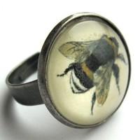 Vintage Bee Ring by rubyspiritdesigns on Etsy