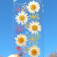 Hand Selected Natural Dried Pressed Flowers Handmade on iPhone 6 Crystal Clear Case: White Daisy Coneflower Design