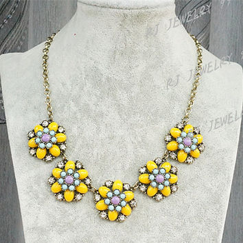 Yellow Daisy Flower Statement Necklace,Flower Neckace,Bib Statement Necklace,Party Personalized Bridesmaids Jewelries, SN1352