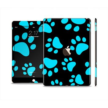 The Black & Turquoise Paw Print Skin Set for the Apple iPad Air 2