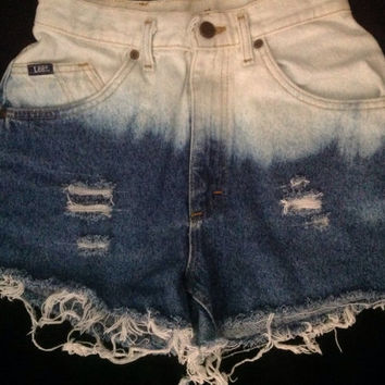 Denim distressed// bleached// frayed// high waisted shorts// lee jeans