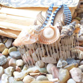 Wedding Hair Comb with sea shells and feathers-Hair sea shell accessory-mermaid-beach wedding-hair accessories-Bridal Hairpiece-ocean pearls