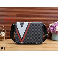 LV Louis Vuitton 2019 new men's classic chess wash bag men's bag shoulder bag Messenger bag #1