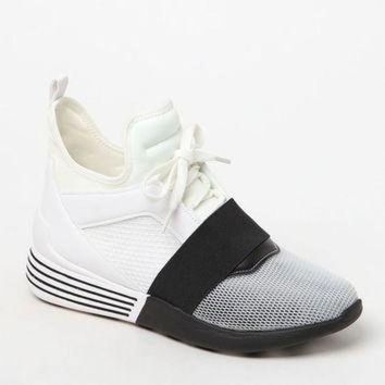 DCK7YE Kendall & Kylie Women's Braydin Sneakers at PacSun.com