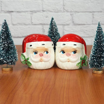 Vintage Mid Century Santa Salt and Pepper Shakers, Christmas Kitchen Decor