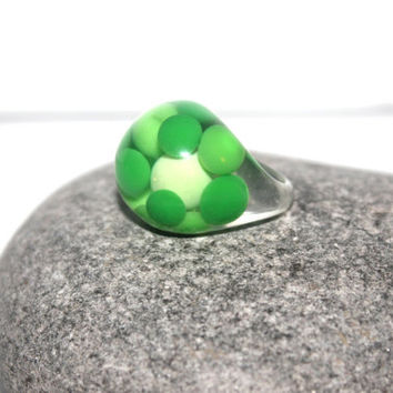 Womans 7 Costume Ring, Vintage Lucite Ring, Chunky Ring, Polka Dot, Green Dome Ring, Antique Alchemy