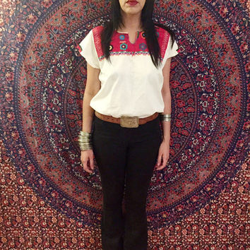 Vintage 70s White Mexican Hand Embroidered Oaxacan Peasant Blouse One Size Fits Most