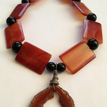 "Vintage ""Original Designs"" of Sardonyx, Onyx, Sliced Geode Pendant with Sterling Silver Clasp, Natural Stone Pendant Necklace"