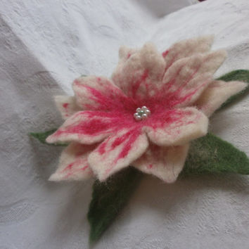 White pink green felt floral brooch,unique,art,felt jewelry wool, felt flower lily,flowers hair clip,scarf,cap,bag,gift her birthday present