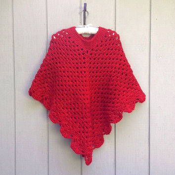 Crochet red poncho - Christmas red poncho - Womens red shawl - Crocheted retro poncho - Womens clothing - Teens poncho