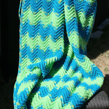 Crochet Blue and Green Ripple Zig Zag Chevron Baby Toddler Crib Size Afghan Blanket by JennisCrochet