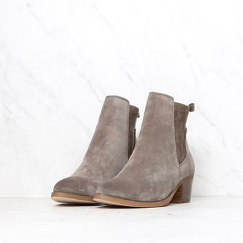 Very Volatile - Women's Raya Ankle Bootie - taupe suede