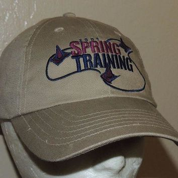 CREYRQ5 JEEP Hat 2001 Spring Training Driving Course Beige Leather Strapback Cap