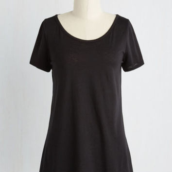 Mid-length Short Sleeves Looped In for Preference Top