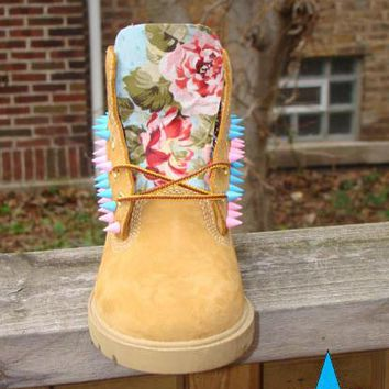 Custom Unisex Pink Blue Spike Timberland Light Blue Floral Print