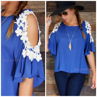 SZ MEDIUM Fairfax Urban Blue Cold Shoulder Top