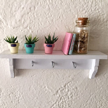 1:6 scale cottage white shelf with hooks with plants for dollhouse Barbie Blythe Monster High 12 inch  Action Figure size.