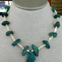 Vintage Turquoise Nugget Mother of Pearl Southwestern Necklace