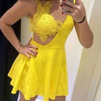 Lace Patchwork V-neck Backless Short Dress