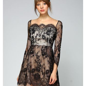 Perla Scallop Lace Dress