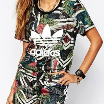 DCCKHV3 Adidas :Female fashion print two piece set