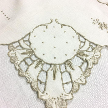 Ivory Linen Cut Work Table Runner, Embroidered Floral Cut Work, Light Brown Embroidery, Shabby Chic Cottage Decor, Vintage Linens