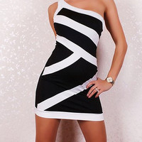 White and Black One Shoulder Bodycon Dress