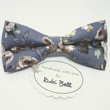 Grey Floral Bow Tie -Gray Tie With Green and Pink Flower - Mens Bow Tie - Groomsman Bow Tie - Wedding Tie - Pocket Square