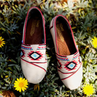 Custom Handpainted TOMS in Ikat Design by alymf on Etsy