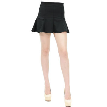 Fitted waist peplum mini skater black skirt