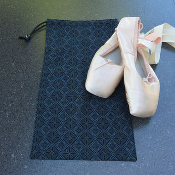 Pointe Shoe Bag, Black Diamond. Breathable cotton & mesh dance shoe bag.