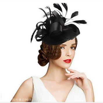 Colored Gothic Mini Top Hat Fascinator in hairpin woman