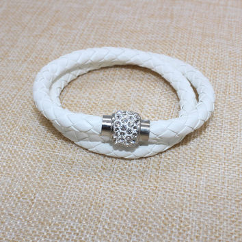 Hand-woven polymer clay magnet clasp white diamond snake bracelet double PU leather factory direct supply of foreign trade