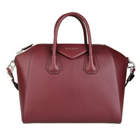 GIVENCHY Medium leather Antigona bag