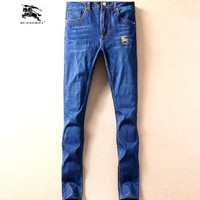 BURBERRY   Fashionable casual jeans