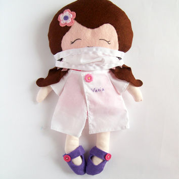 Doctor doll, surgeon doll,  rag doll. doctor's clothes - Personalized doll - Mask and robe included - Made to ORDER