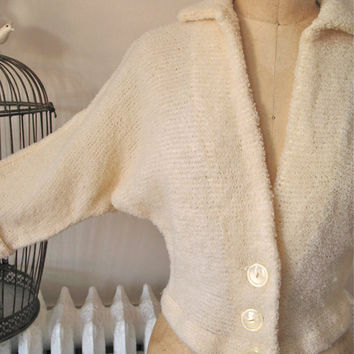 Peggy | Vintage 1950s Ivory Wool Boucle Cardigan Sweater Raglan Sleeves with Cuffs - Large Buttons