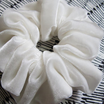 Free shipping silk hair scrunchie. Hypoallergenic hair accessories. White silk velvet scrunchie. White velvet scrunchie. Bridal scrunchies.