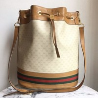 ONETOW Gucci Cream Bucket Bag