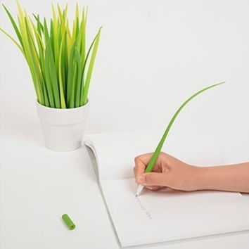 The Grass is Greener Pen Set