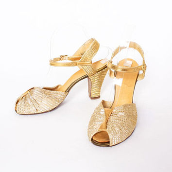 Vintage 40s Metallic Gold HEELS / 1940s Woven Gold Mesh & Leather Strappy Bridal Wedding Evening Shoes 8