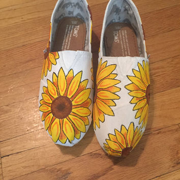 Sunflower Toms [sunflower shoes] Hippie Toms. Wildflower Shoes.