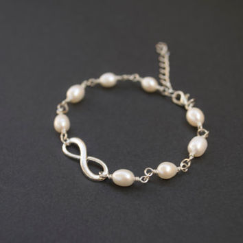 Infinity Bracelet. White Freshwater Pearls Bracelet. Friendship, Bridesmaid Gift. Dainty, Feminine. Infinity and Pearl Jewelry