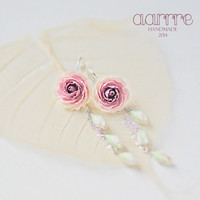 Long earrings with delicate peonies, floral earrings, flower earrings, peony earrings, girly, feminine, bridal, fashion, ivory flower, pink