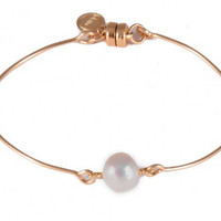 Dafne Pearl Solo Bangle Bracelet
