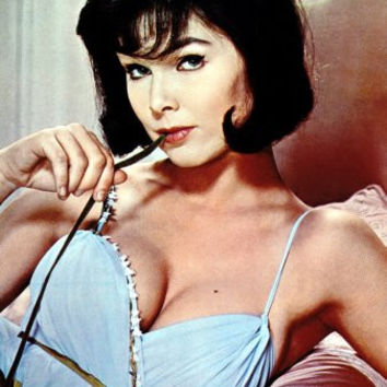 Yvonne Craig Poster 24inx36in Poster 24x36